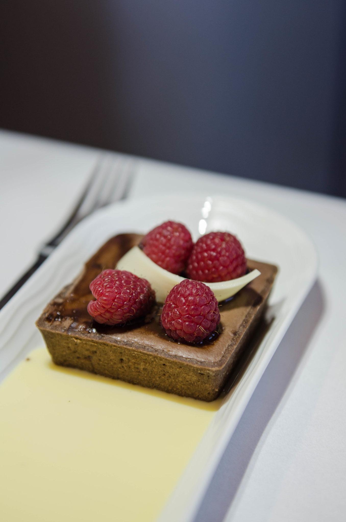 In der Emirates A380 Business Class wird die Kulinarik groß geschrieben.