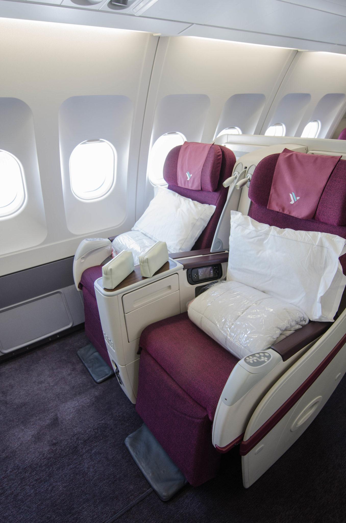 Die Sitze in der Air Italy Business Class auf dem Flug von Mailand nach New York