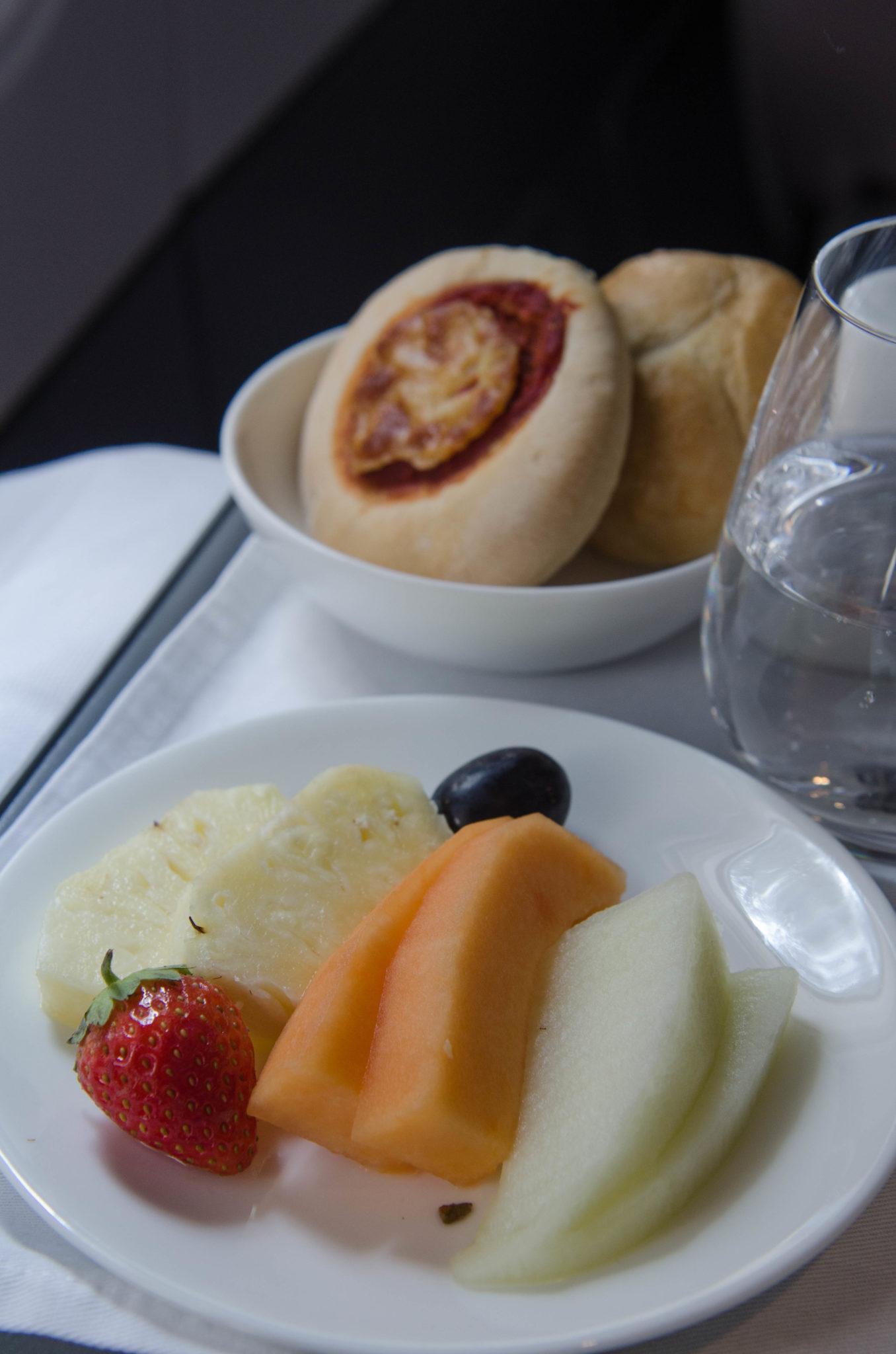 Das Essen in der Air Italy Business Class auf dem Flug von Mailand nach New York