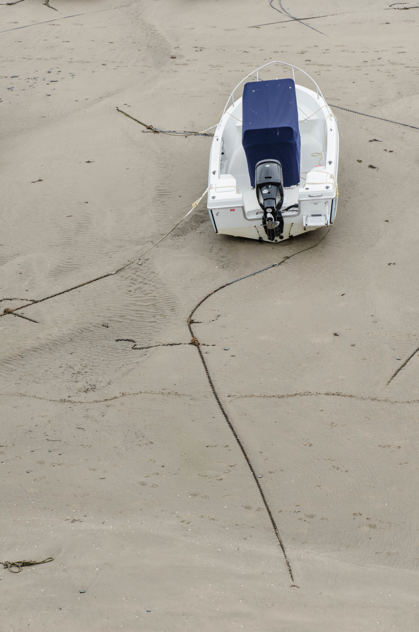 Ein Boot am Strand in Wales