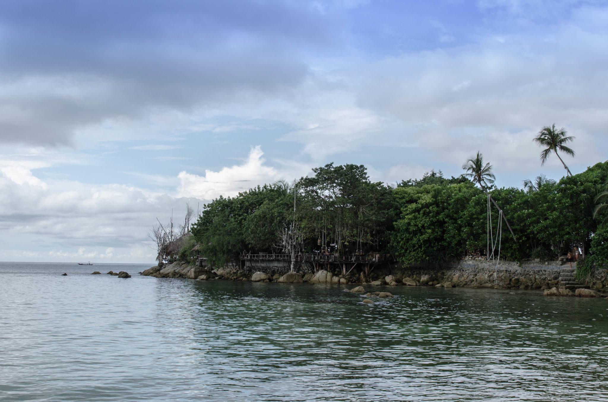 Versteckte Strände und Badebuchten gibt es auf Koh Phangan überall