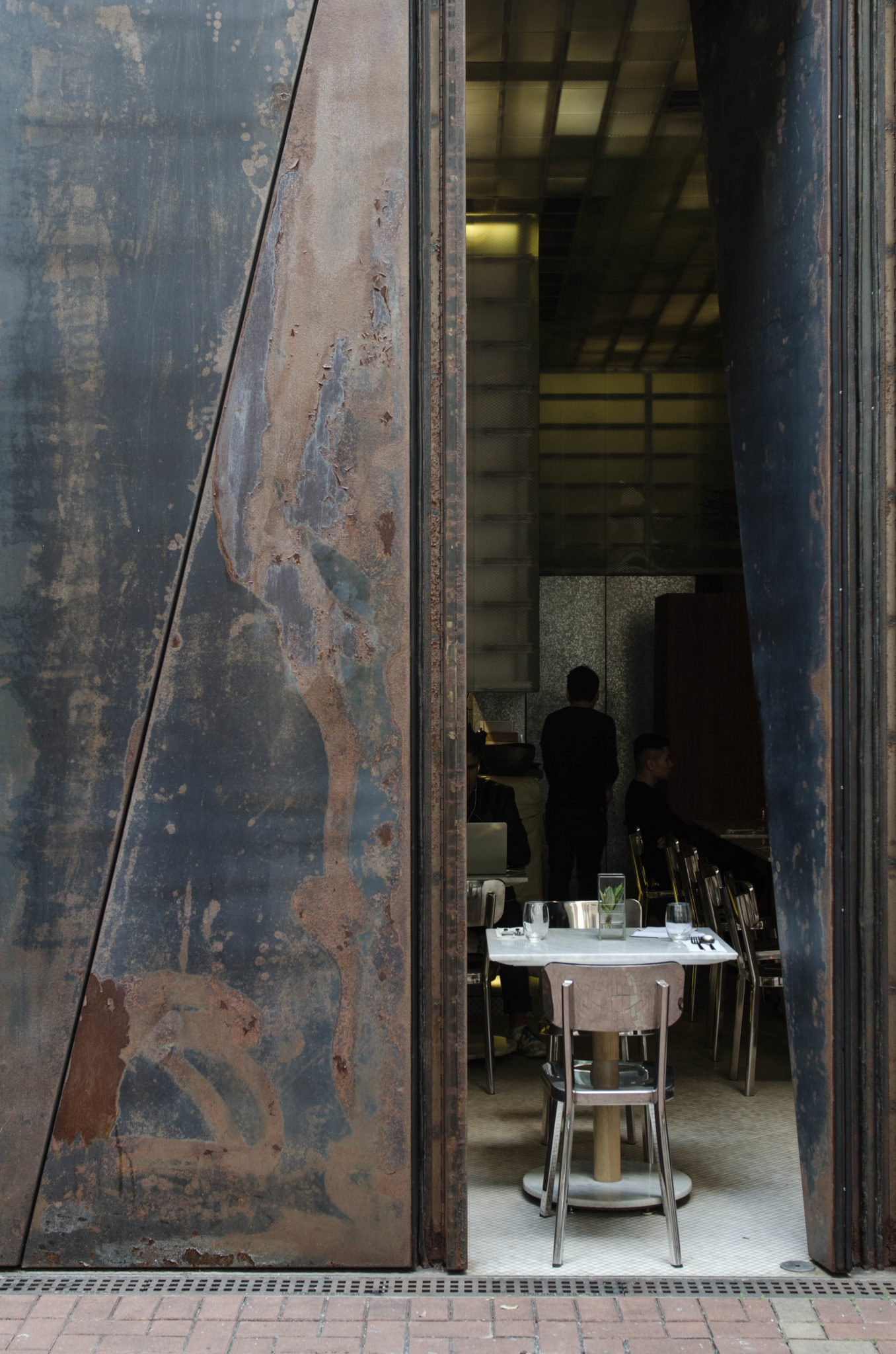 Das Restaurant des Hotes sieht von außen so aus