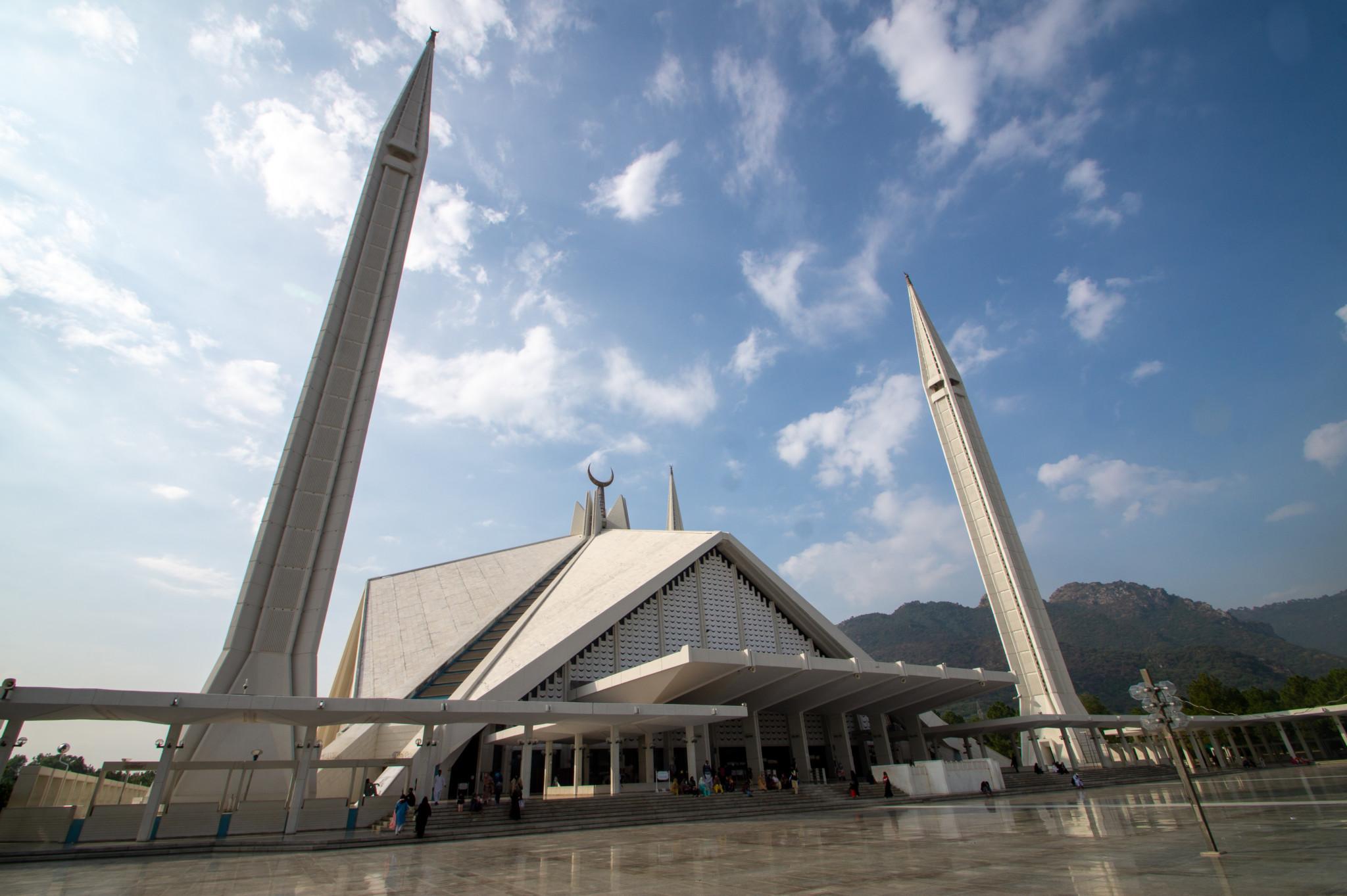 Die Faisal Moschee in Islamabad gehört zu den größten Moscheen der Welt.