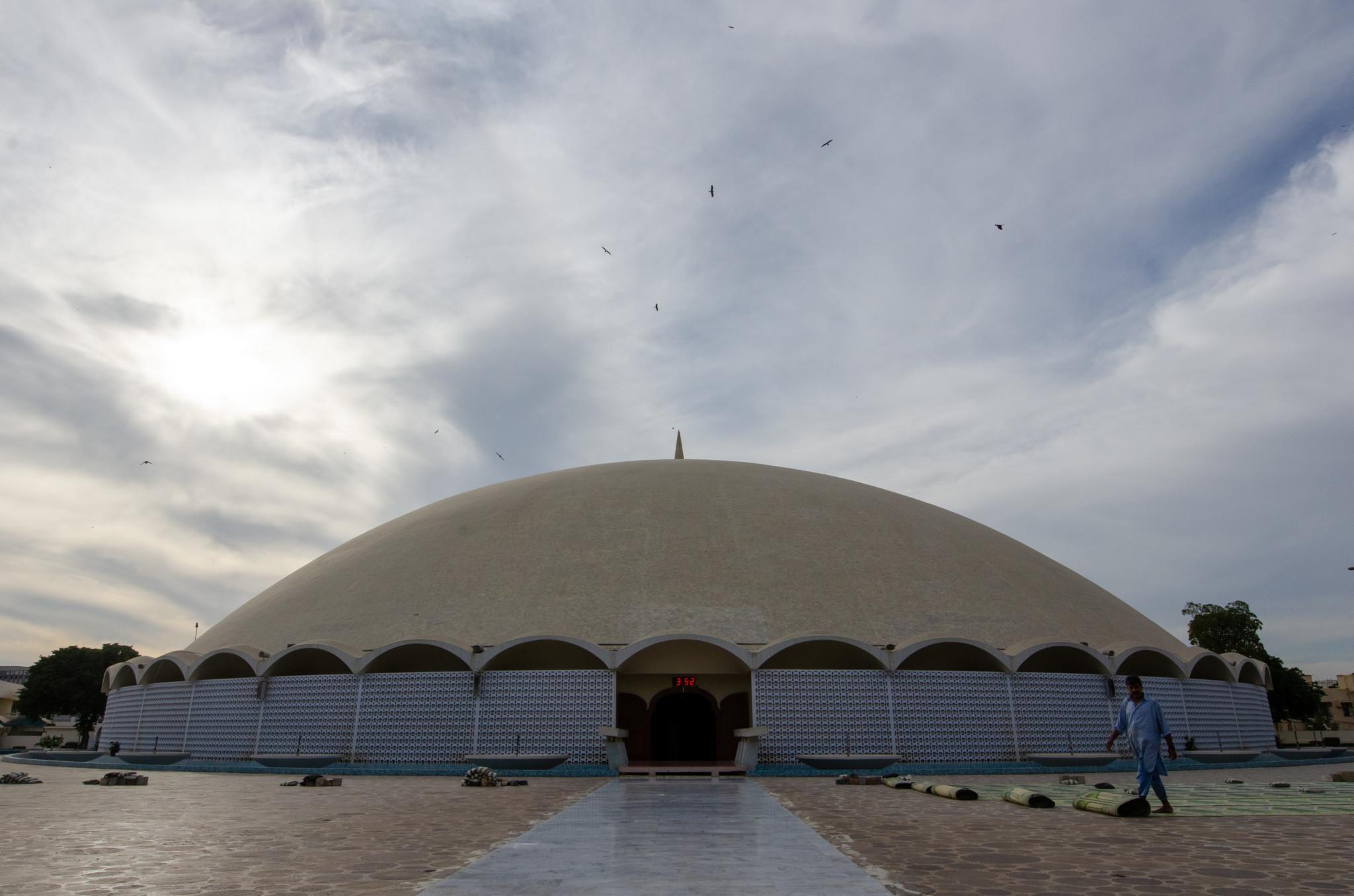 Diese Moschee in Karatschi gehört zu den modernsten des Landes