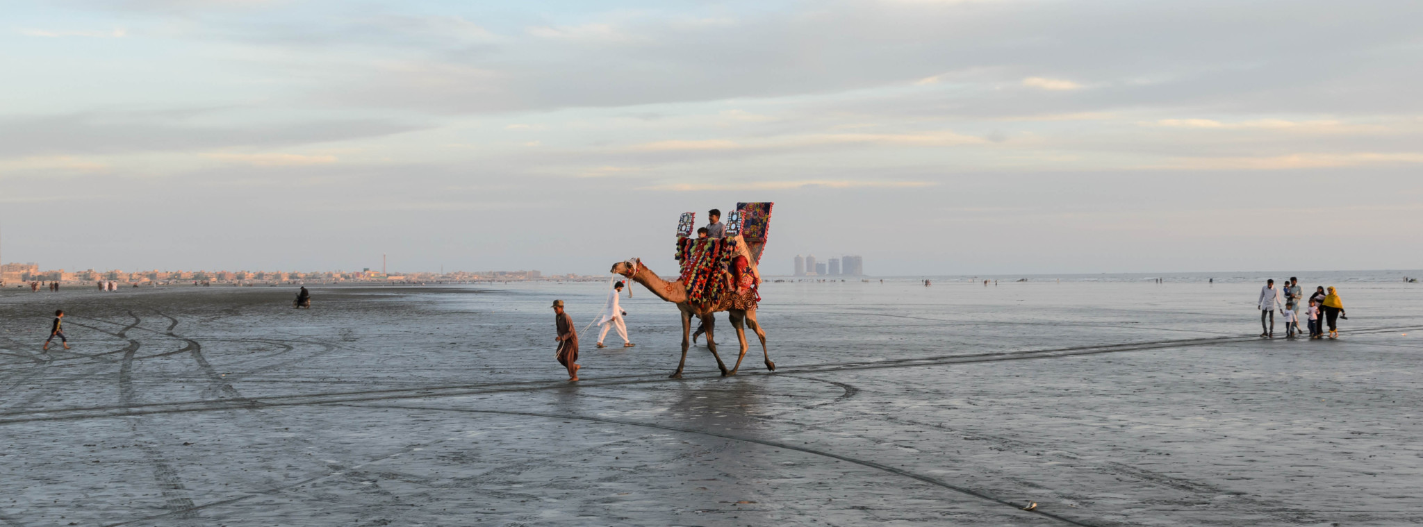 Bei einem Pakistan Urlaub darf ein Zwischenstopp in Karatschi nicht fehlen