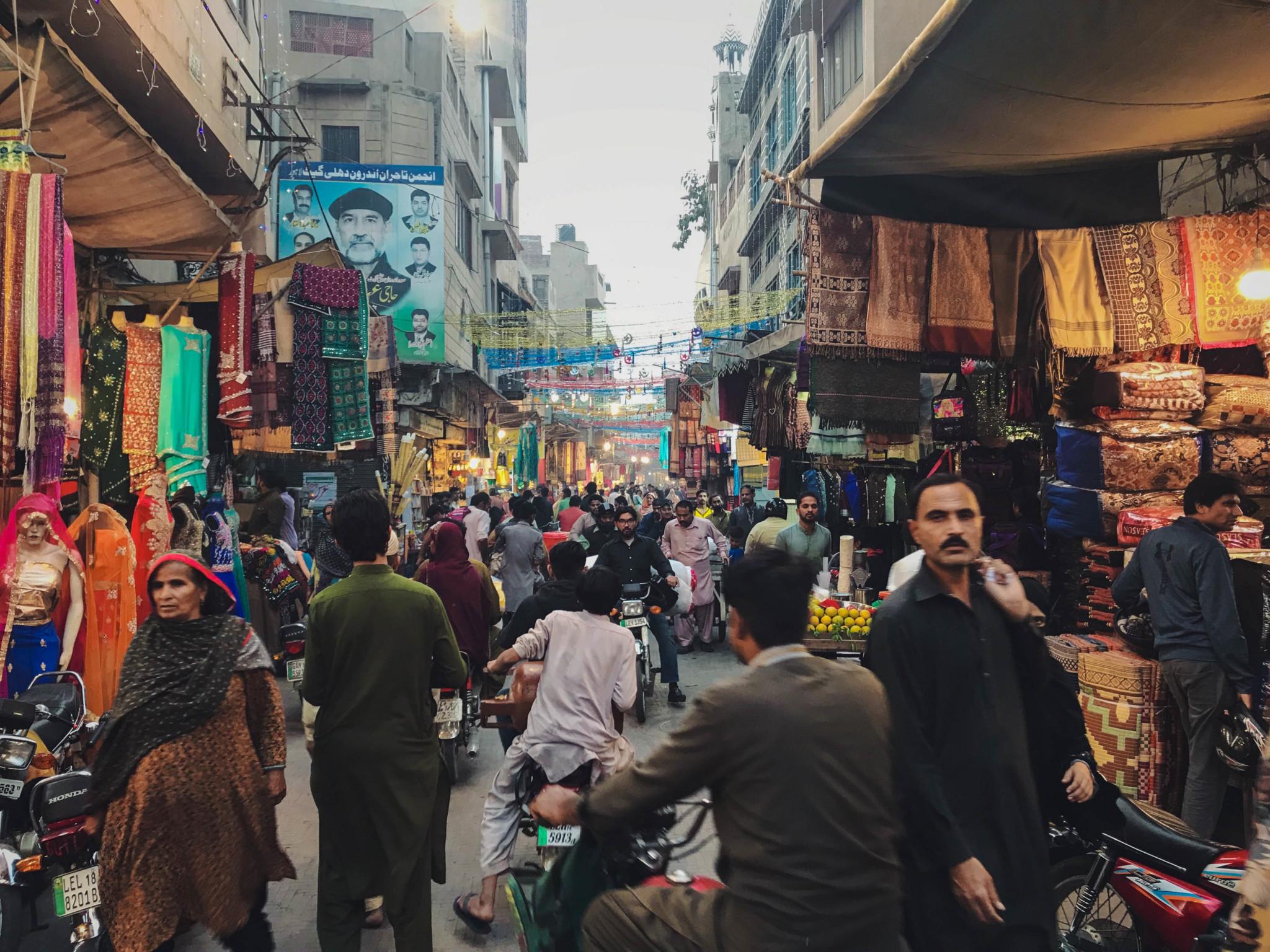 Der Markt in Peschawar ist immer lebendig.