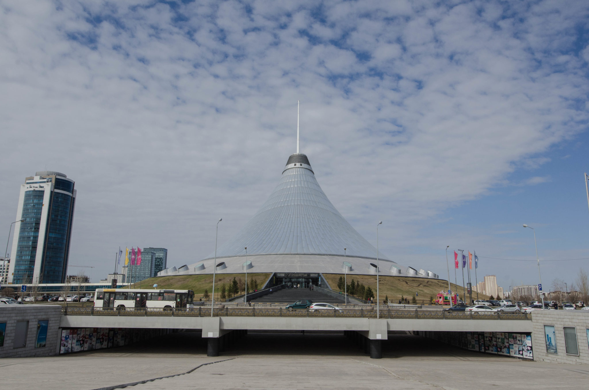 Das Khan Shatyr darf bei einem Astana Stopover nicht fehlen