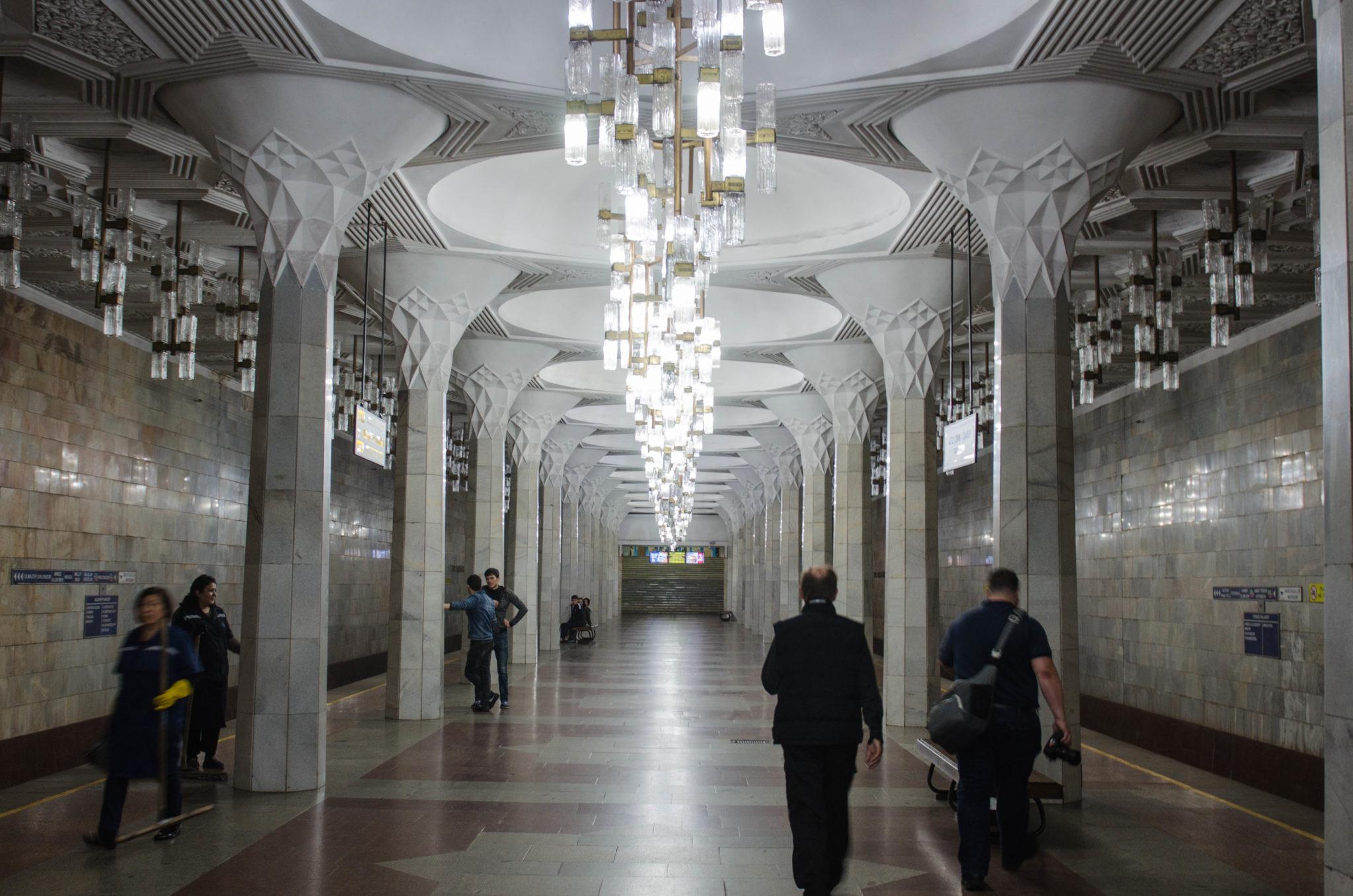 U-Bahn fahren in Taschkent