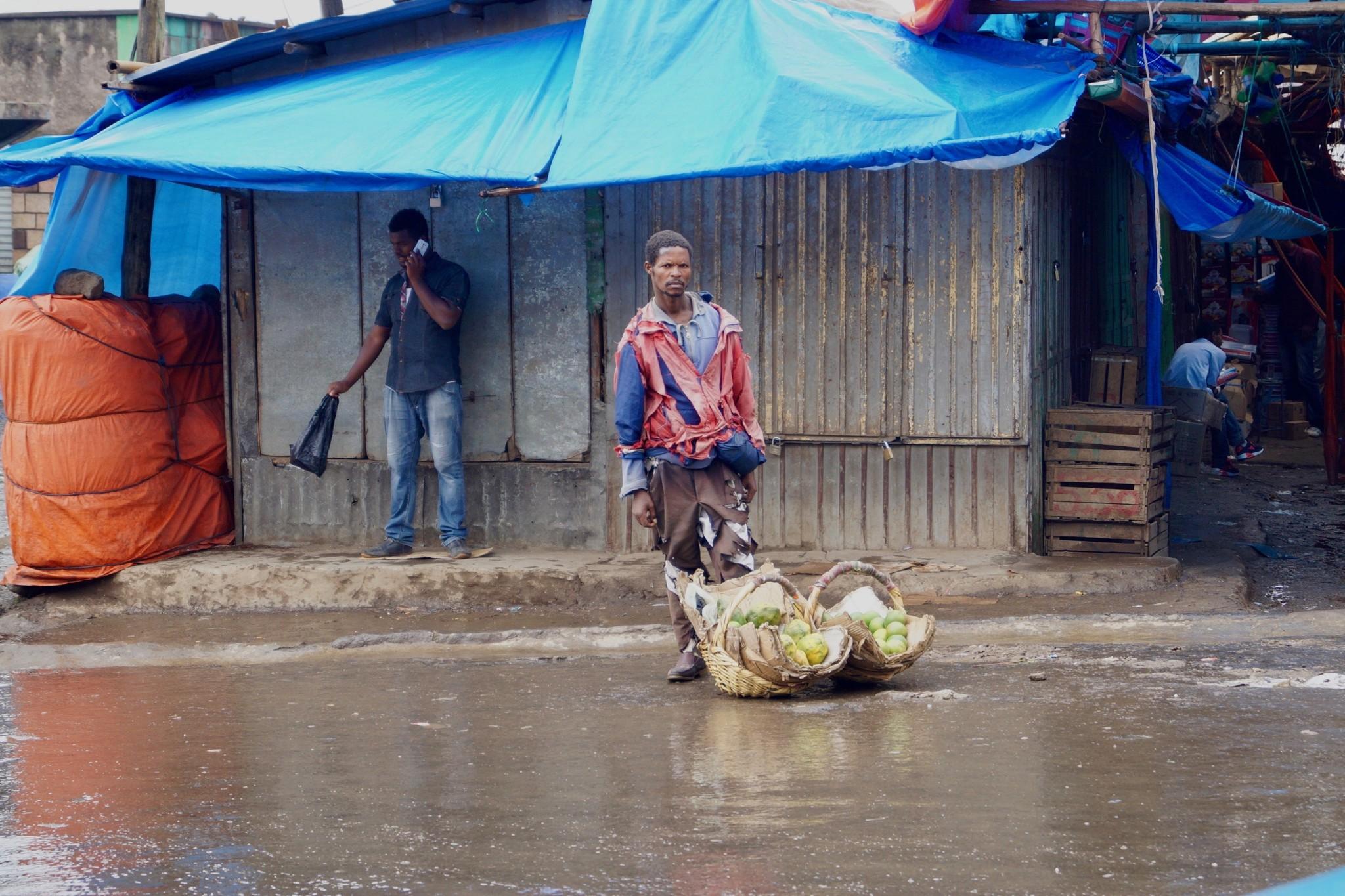 Der Markt von Addis Abeba in Äthiopien ist der größte Markt der Welt