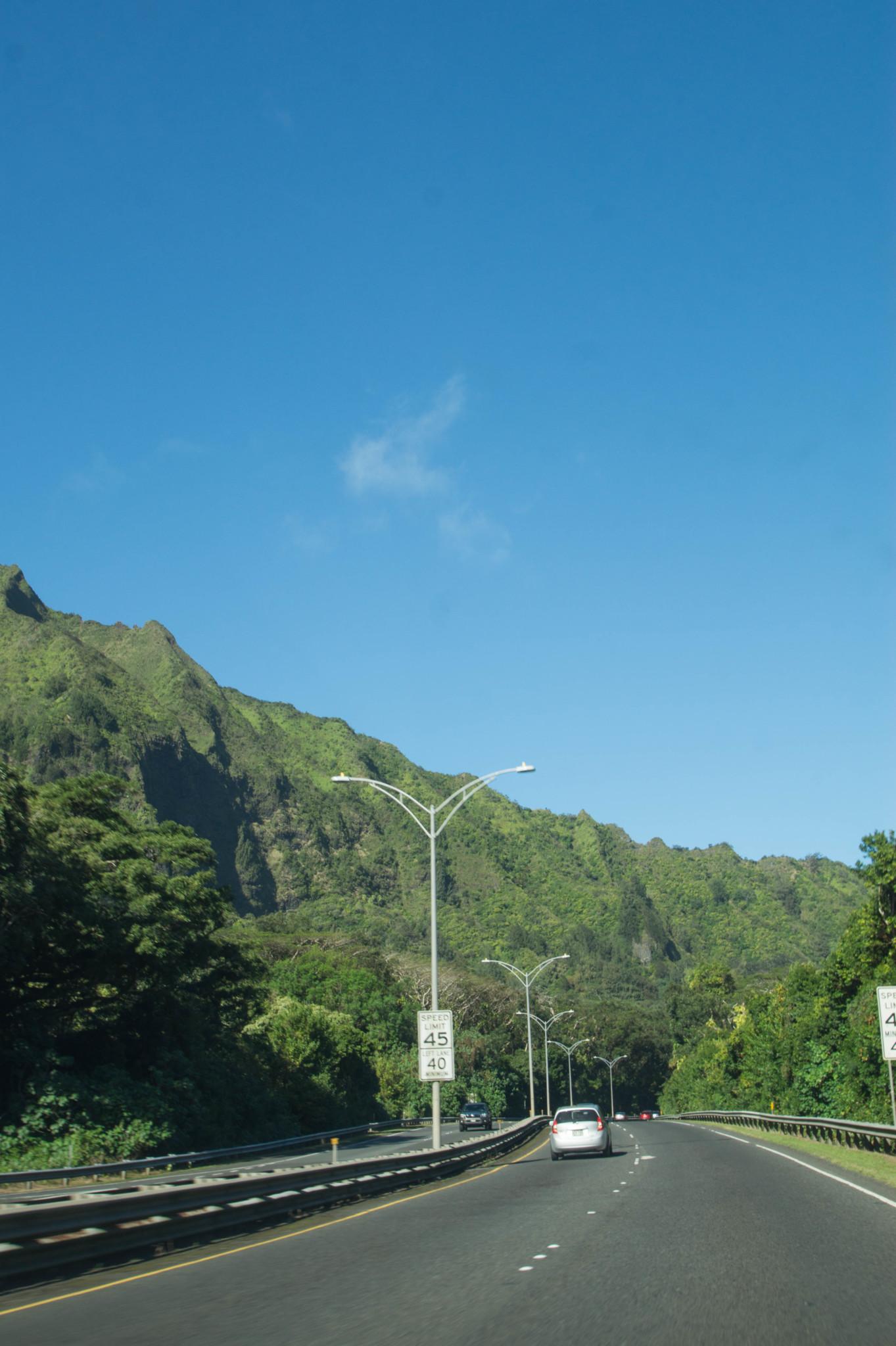 Einen Mietwagen buchen gehört auch zum Hawaii Urlaub planen dazu