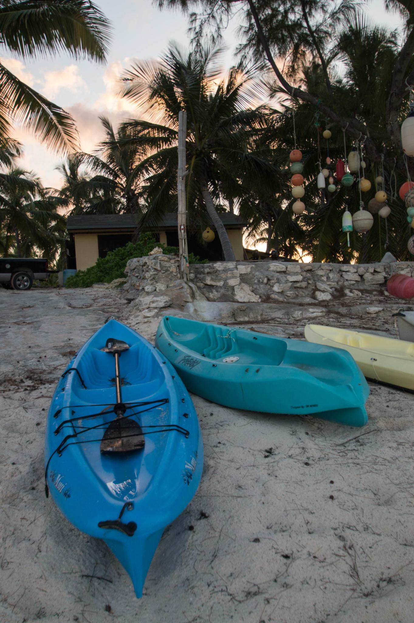 Kayakfahren auf den Bahamas im Greenwood Beach Hotel