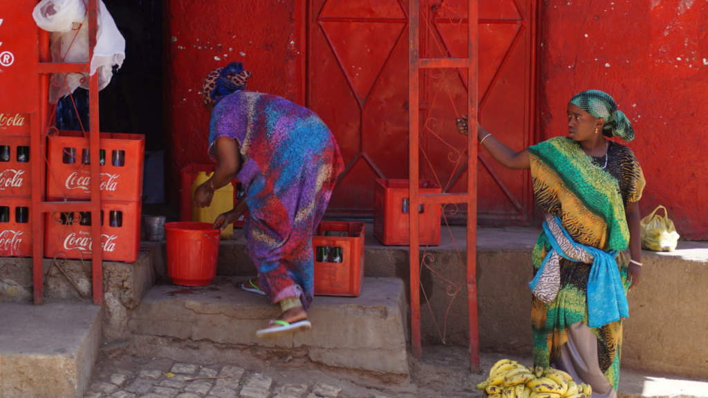 Verkäuferinnen auf Markt in Harar