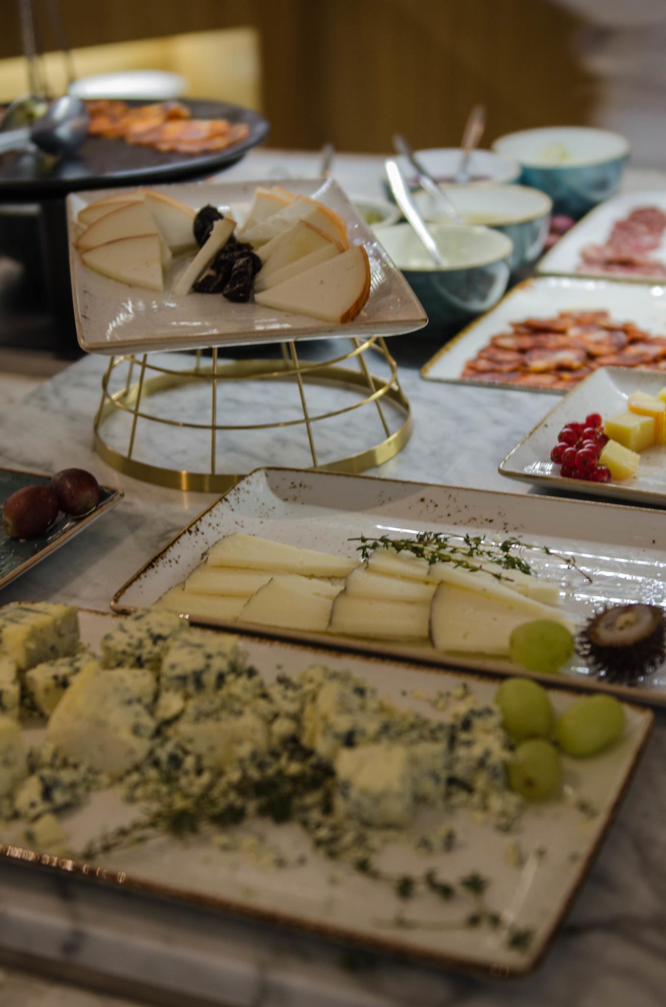 Käse-Buffet im Barcelo Hotel Madrid