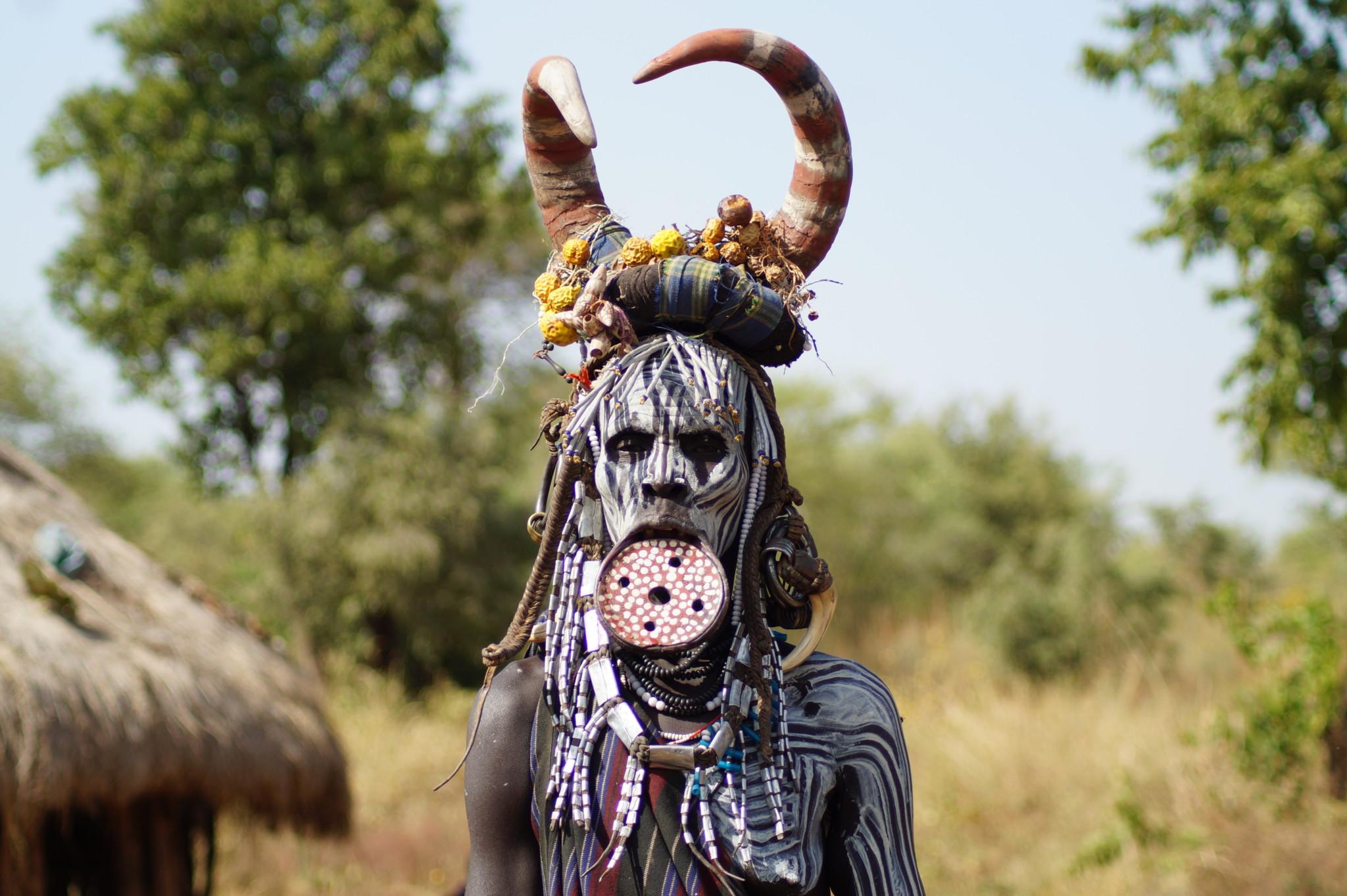 Mursi im Omo Tal im Süden von Äthiopien