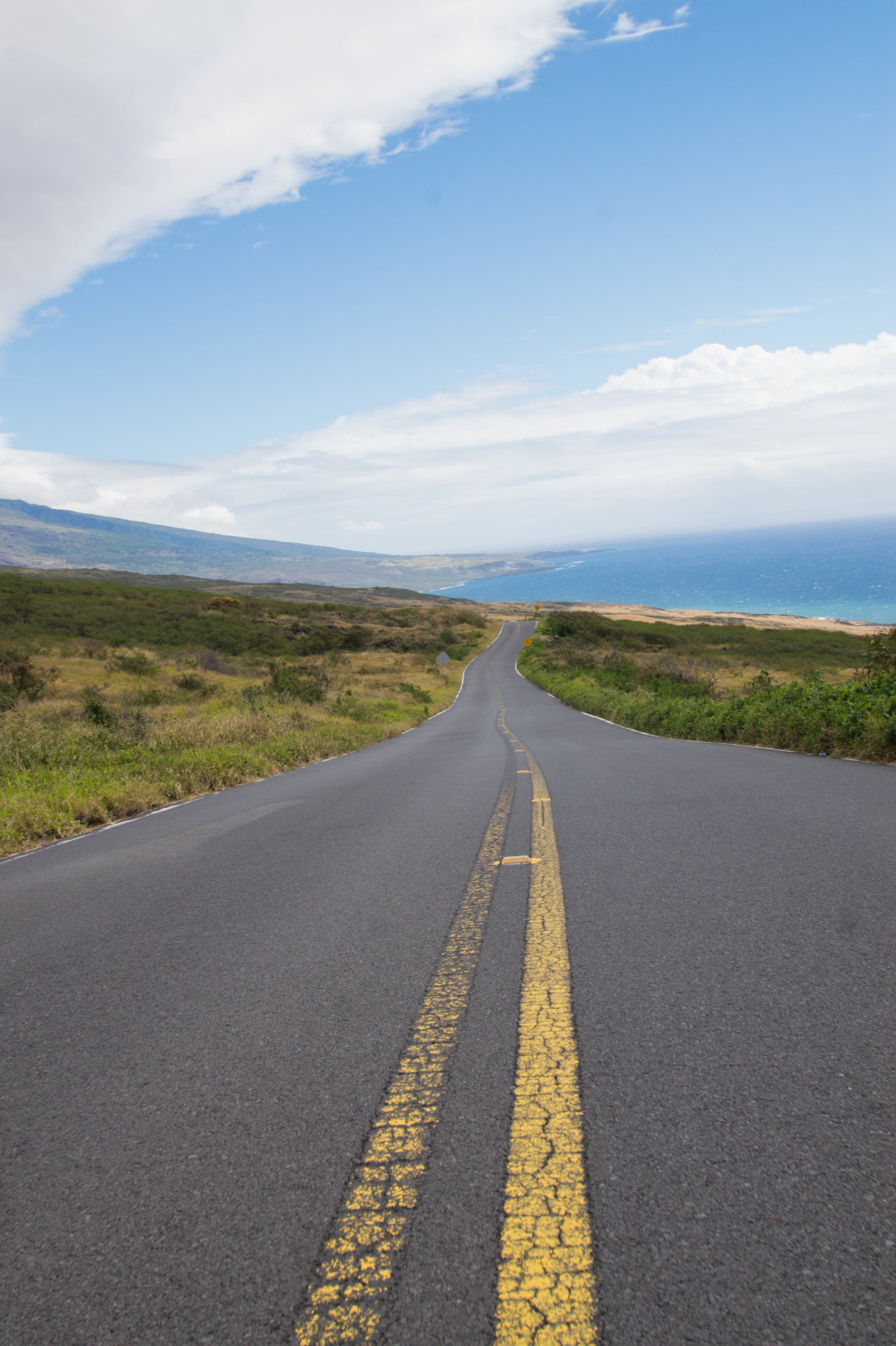 Endlose Weite beim Roadtrip auf den Straßen von Hawaii