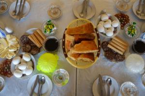 Aserbaidschan Essen: Diese 11 Gerichte solltest du probieren