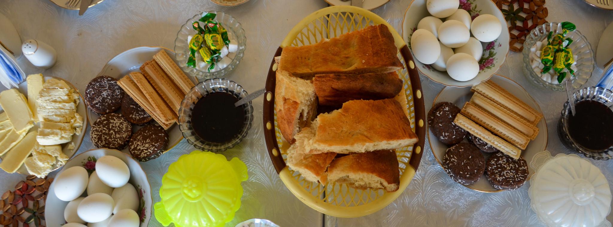 Essen in Aserbaidschan beginnt beim Frühstück