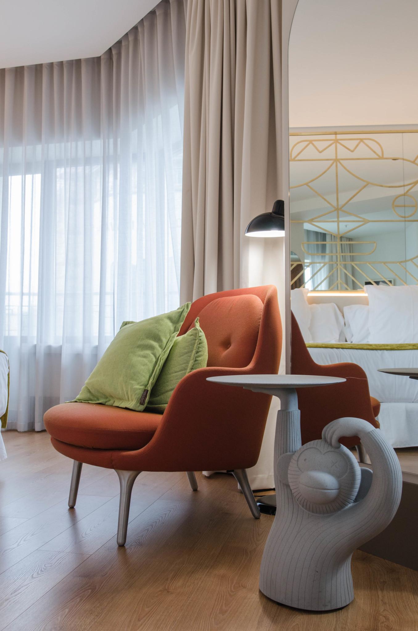 Sitzecke Zimmer Barcelo Hotel Torre de Madrid