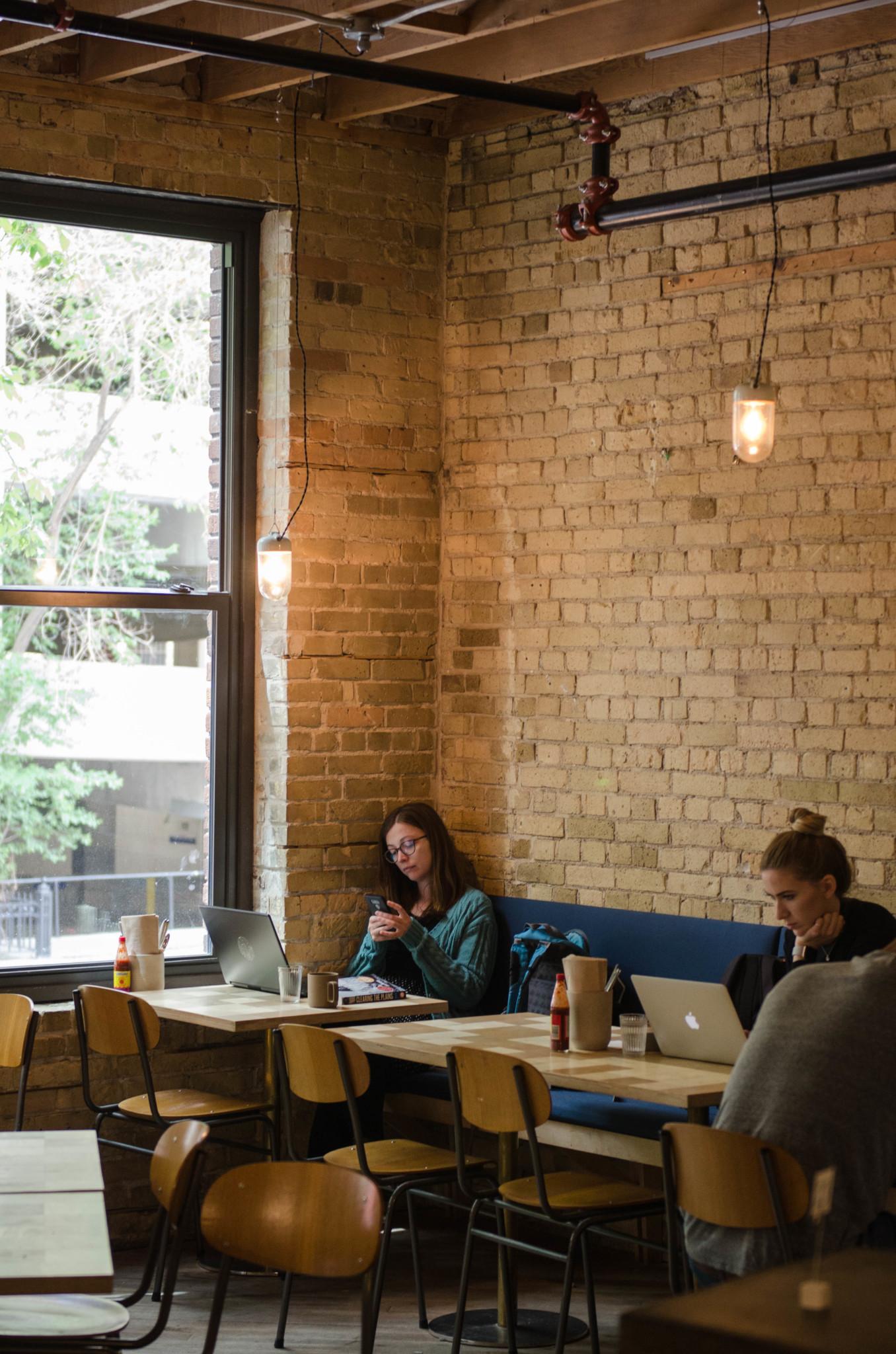 Cafés gibt es in der kanadischen Großstadt überall