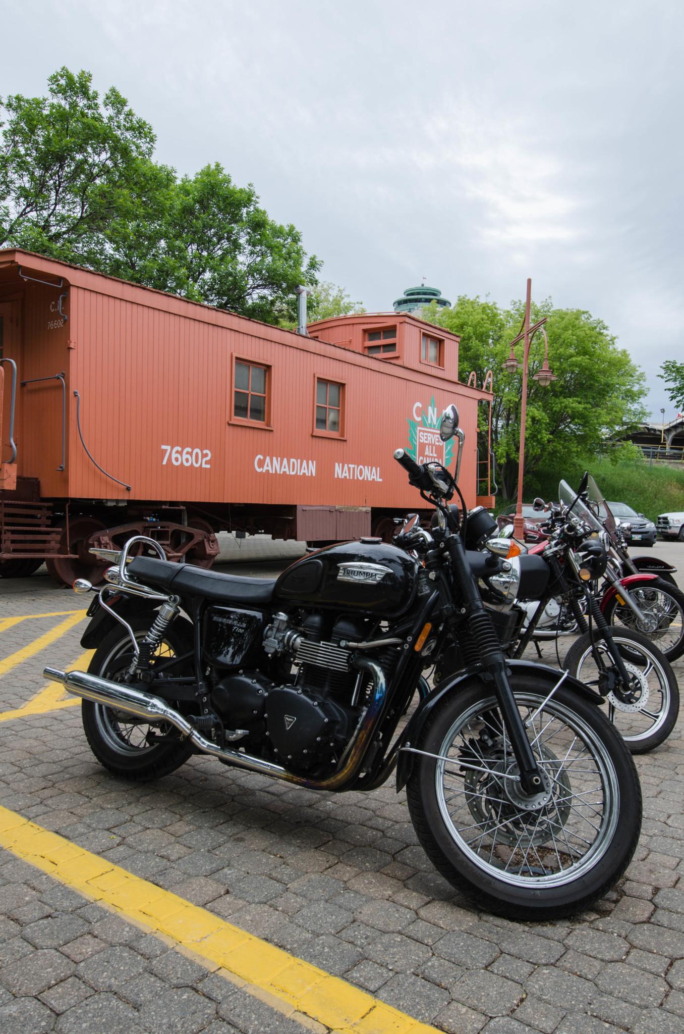 Mit dem Motorrad kann man die Landschaft um Winnipeg gut erkunden.