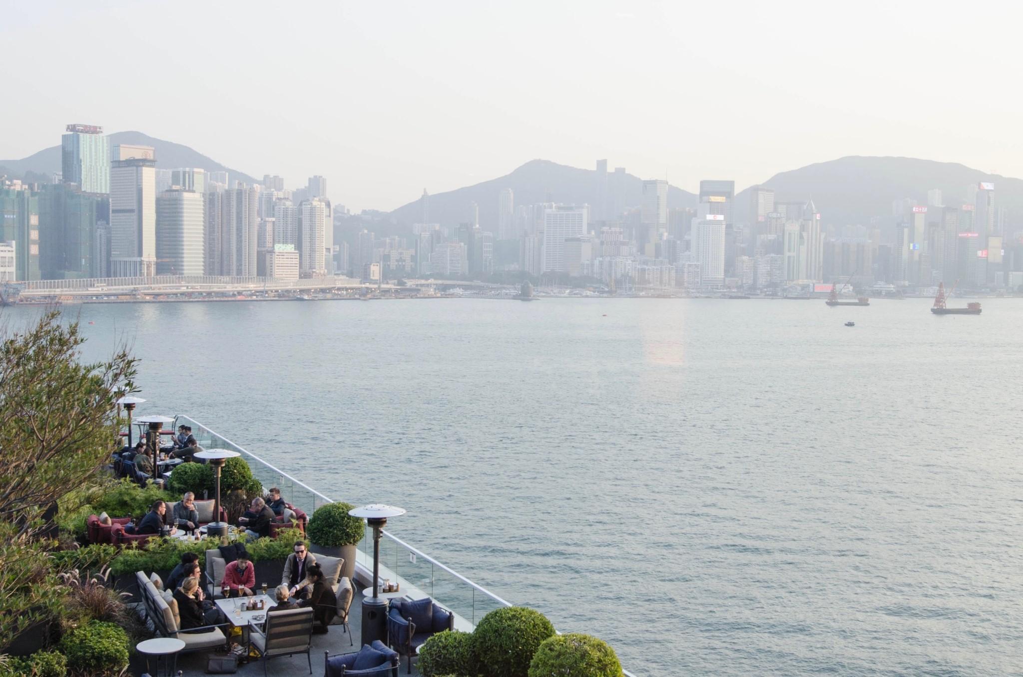 Kerry Hotel Hongkong Bar mit Terrasse