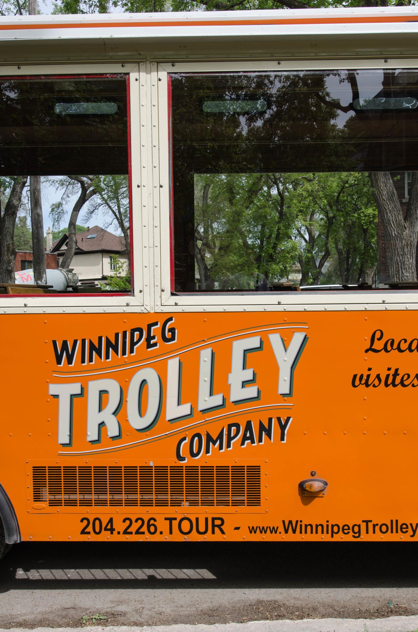 Mit der Trolley Tour geht es vorbei an Winnipeg Sehenswürdigkeiten