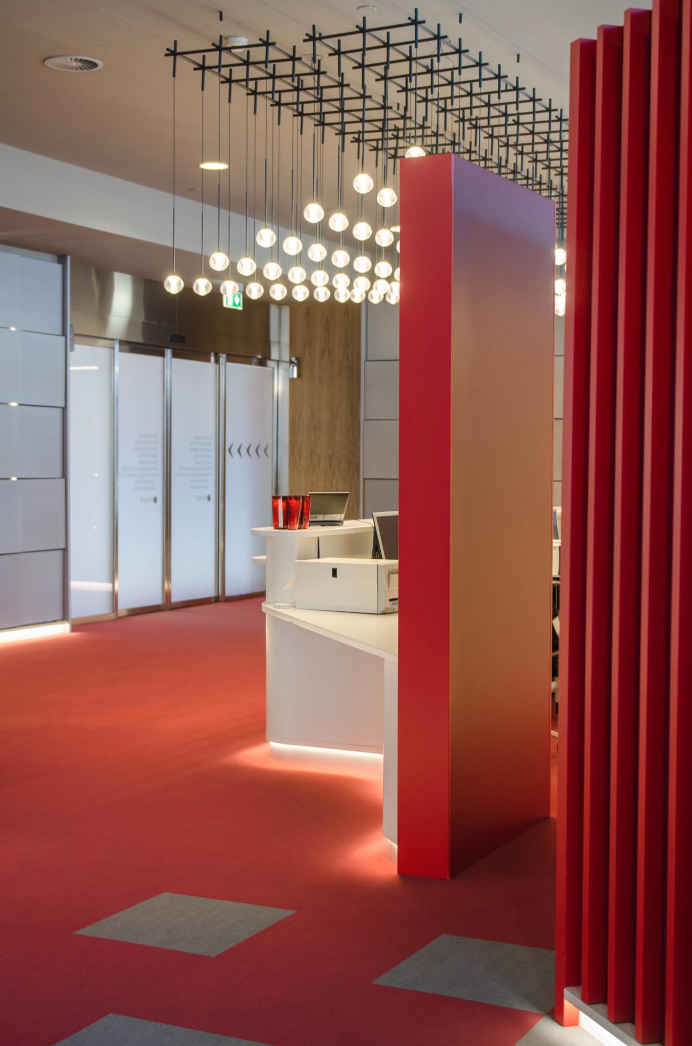 Moderne Einrichtung am Flughafen in Madrid