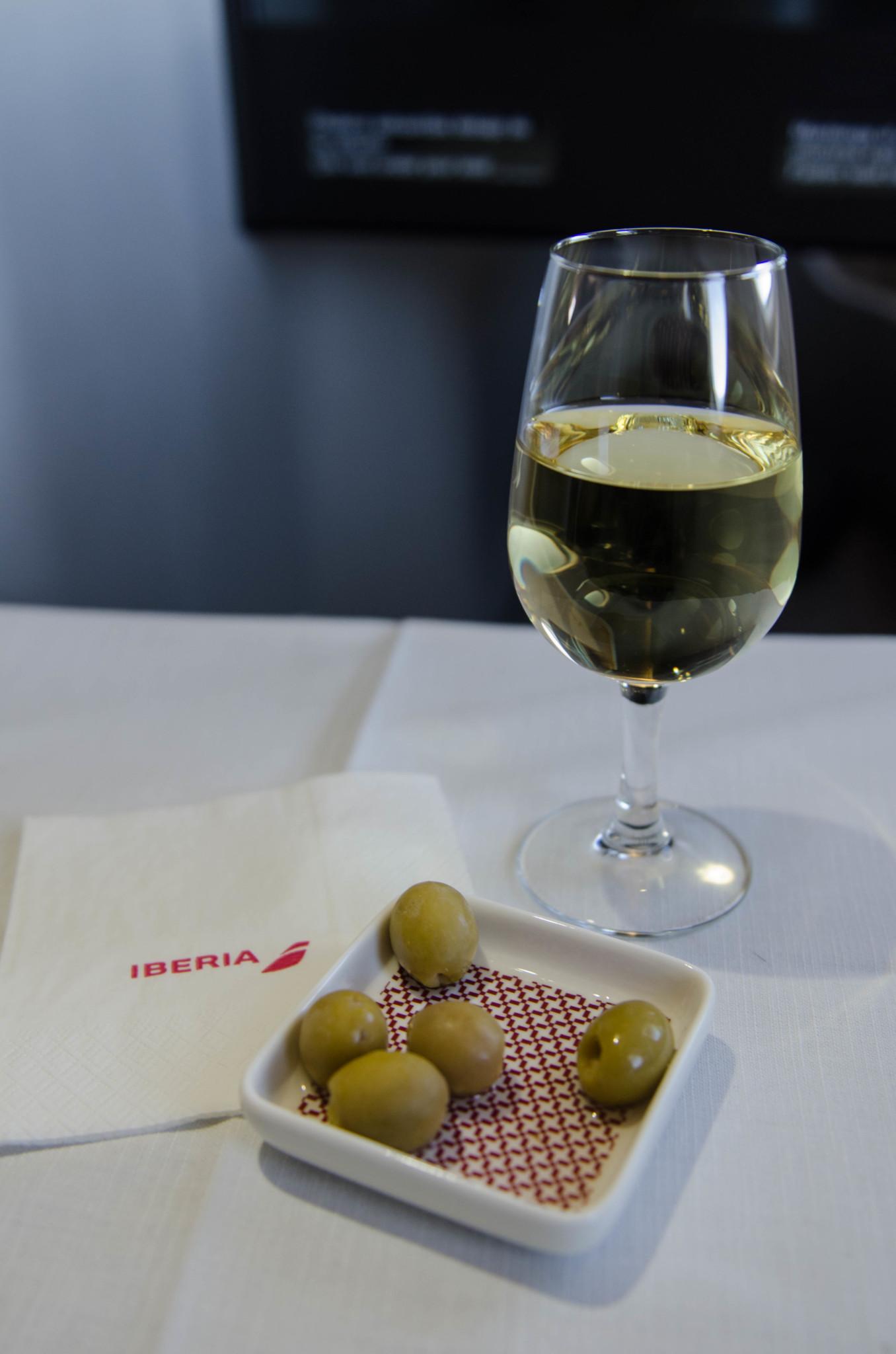 Sekt auf dem Flug von Madrid nach Havanna