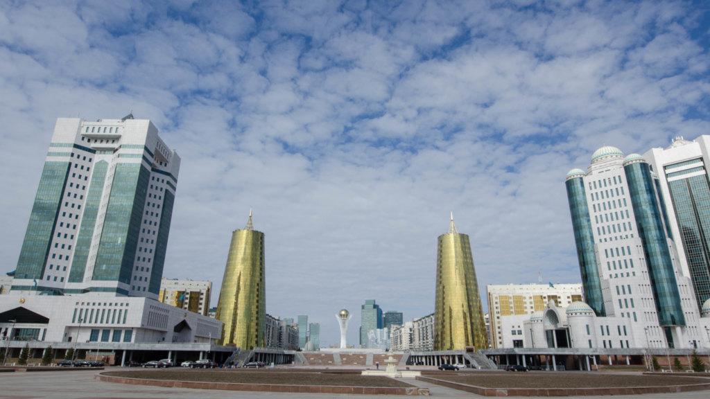Astana Sehenswürdigkeiten: Die berühmten Bierdosen