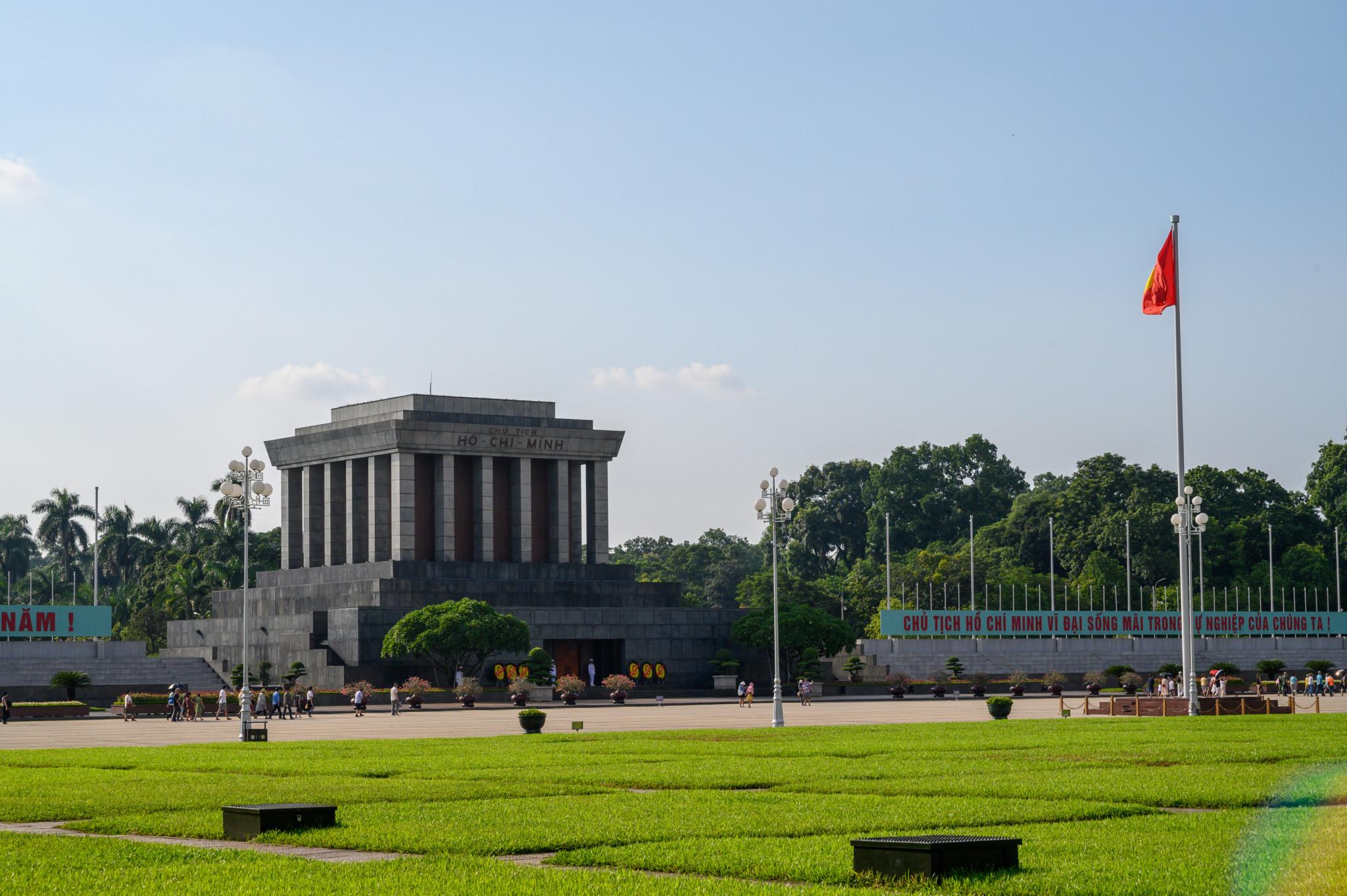 Ho Chi Minh Mausoleum in Hanoi ist eine tolle Sehenswürdigkeit