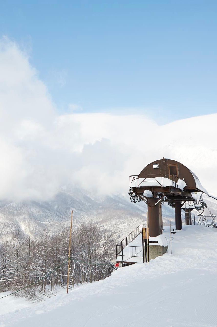 Mit der Seilbahn geht es ins Skigebiet von Nagano