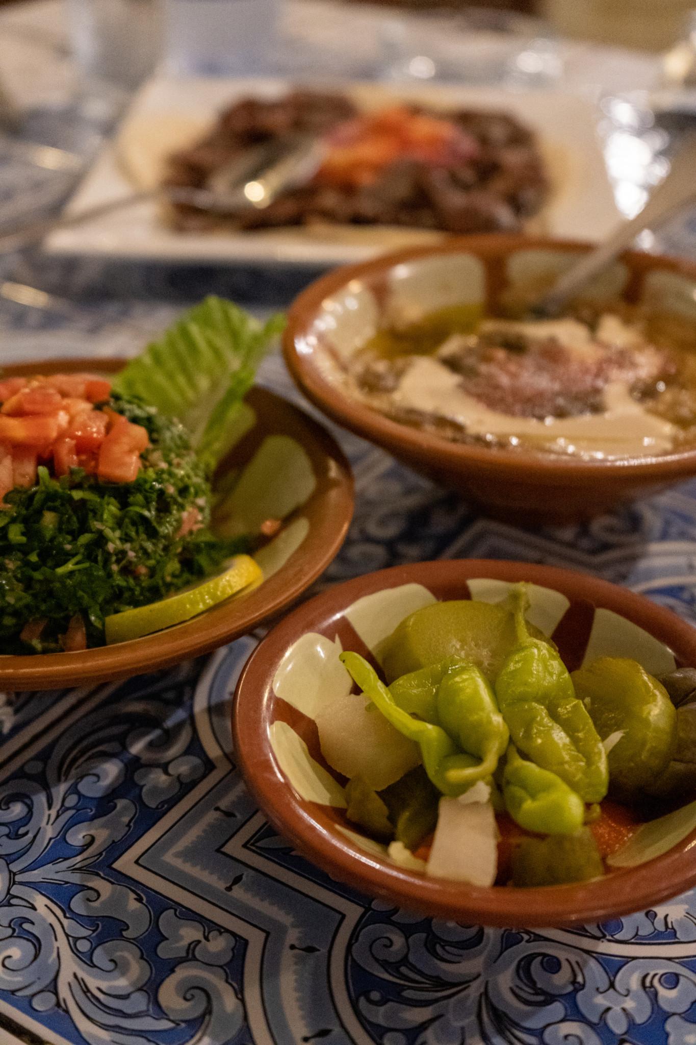 Typisch arabische Mezze in Abha