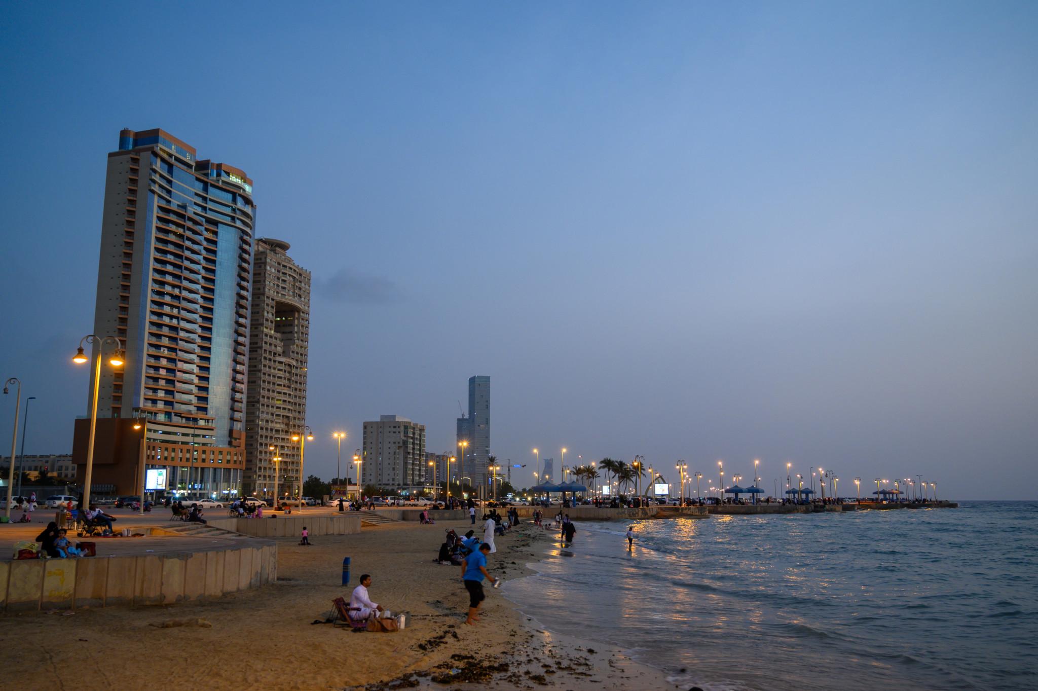 Corniche von Jeddah am Abend