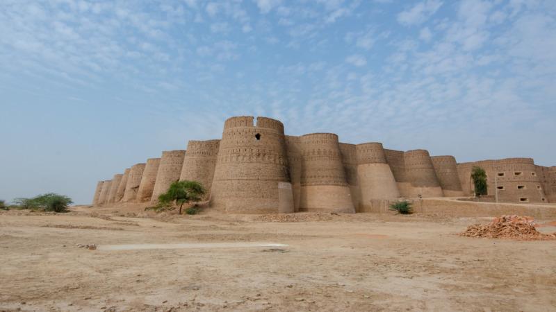 Derawar Fort als Highlight auf der Pakistan Route