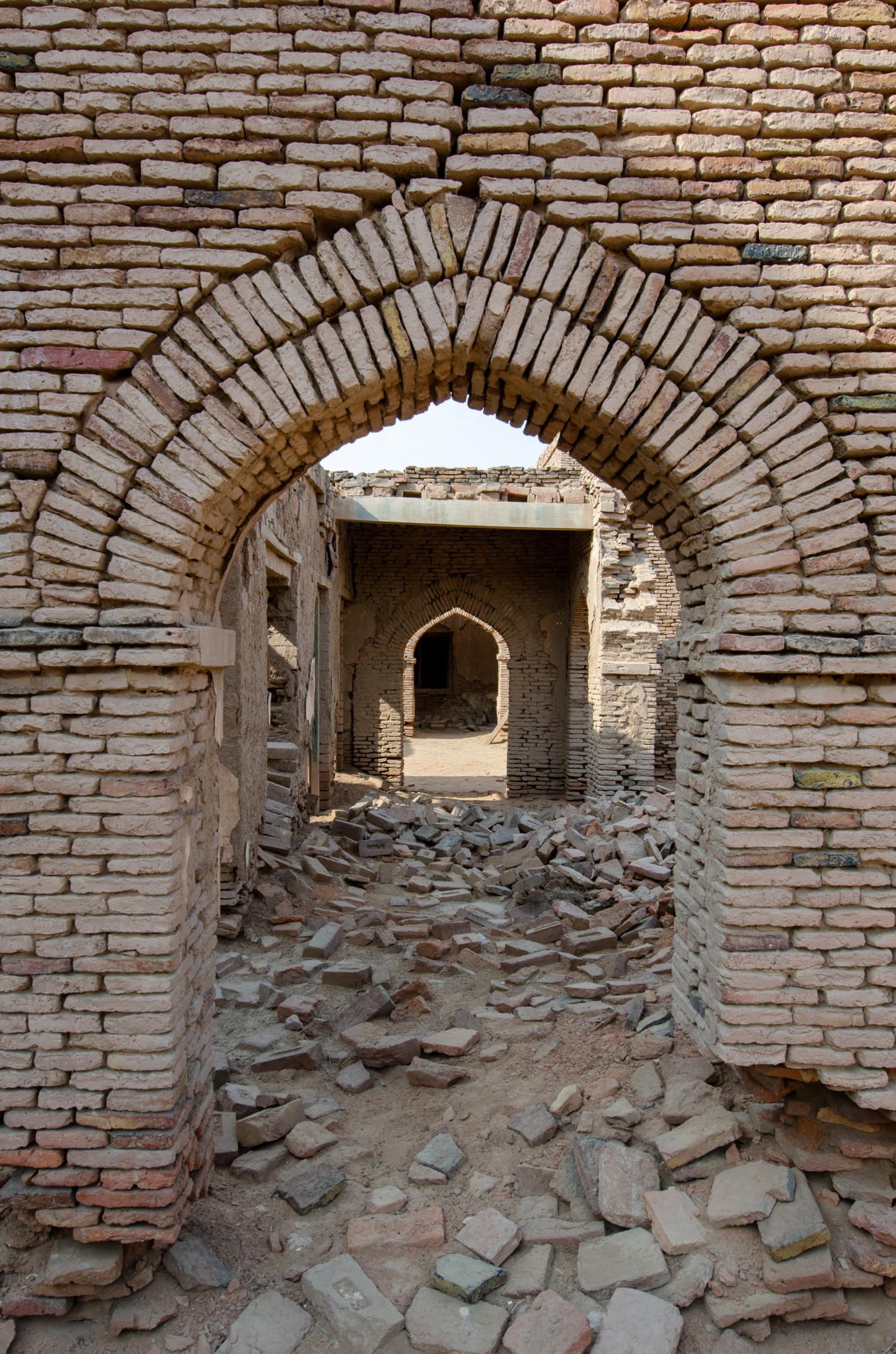 Das Innere des Derawar Fort auf der Pakistan Route