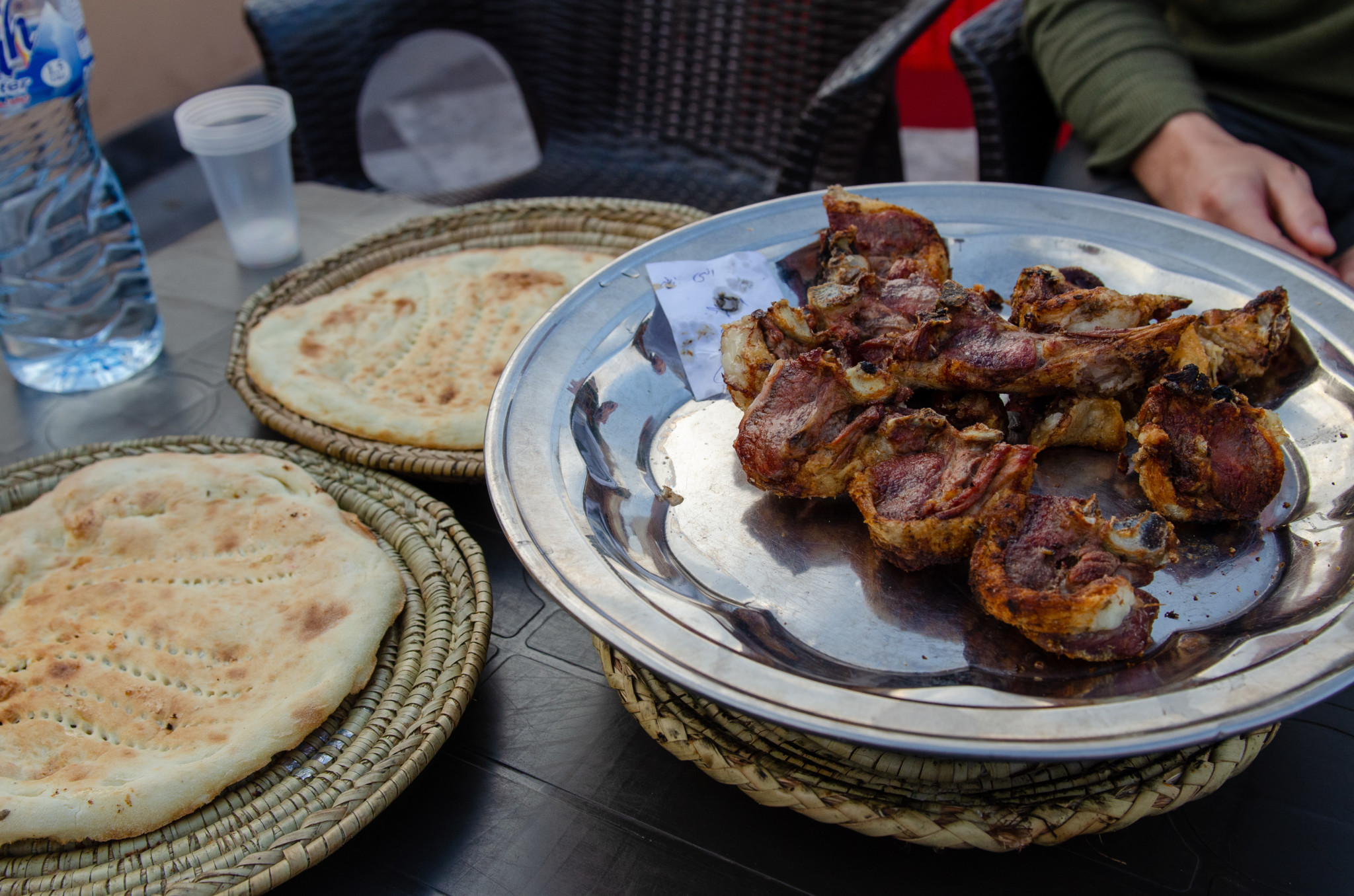 Zum pakistanischen Essen gehören auch die Lammgerichte in Peschawar