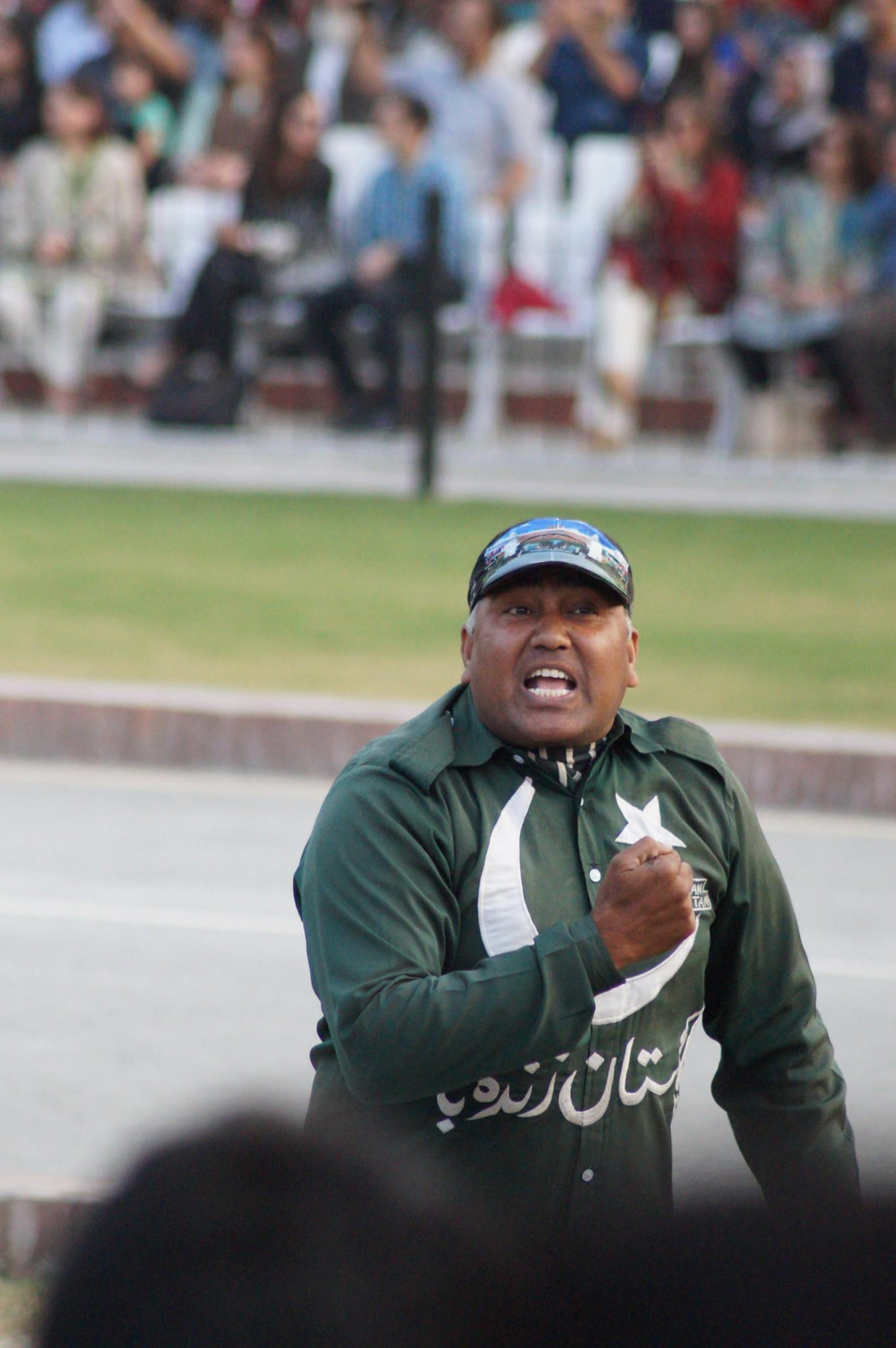 Die Wagah Border Grenzzeremonie darf auf der Pakistan Route nicht fehlen