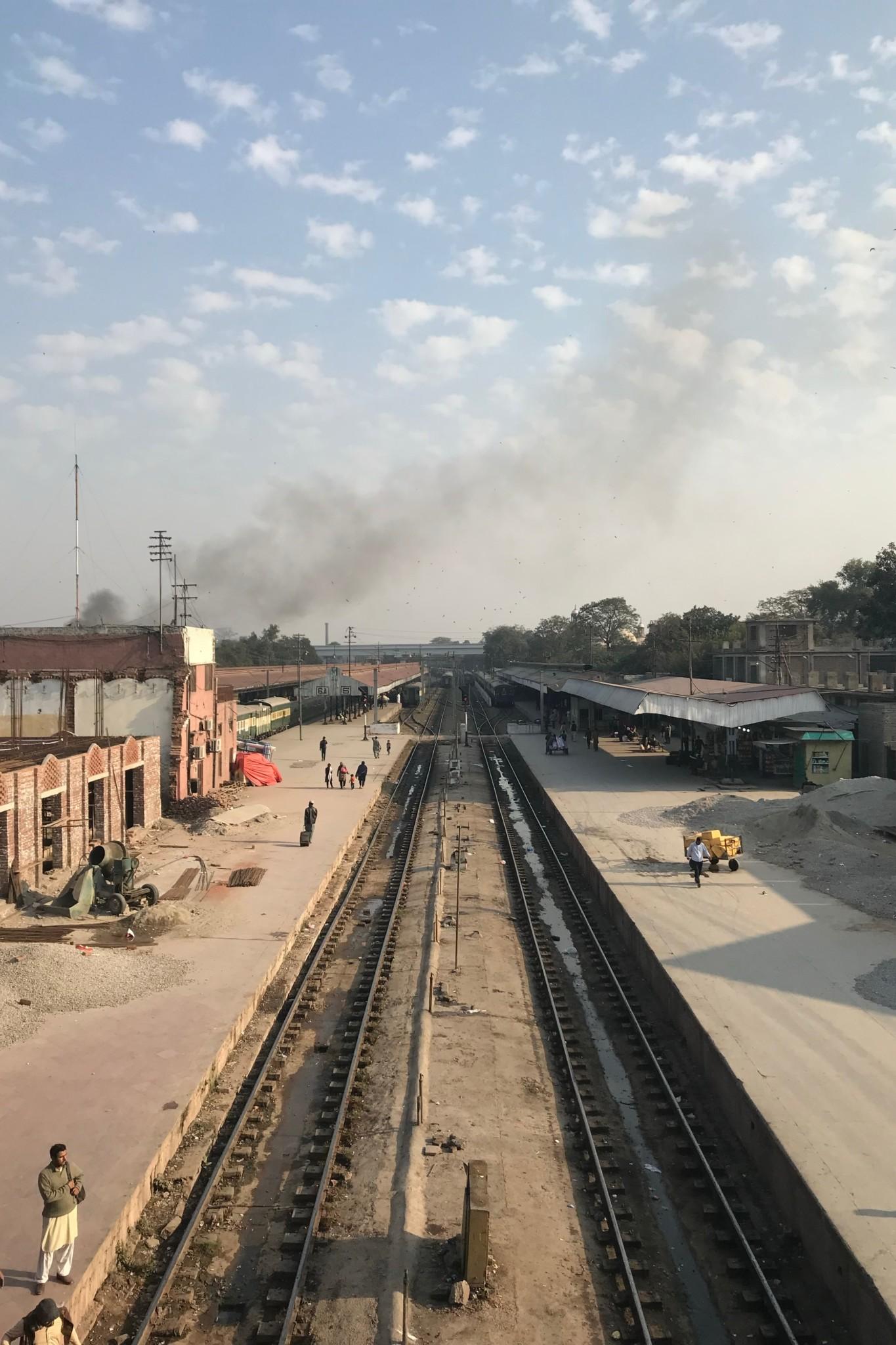 Zugfahren geht auch in Pakistan