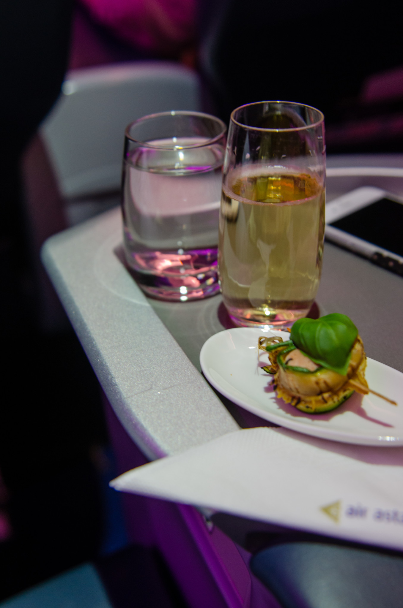Taittinger Champagner in der Air Astana Business Class