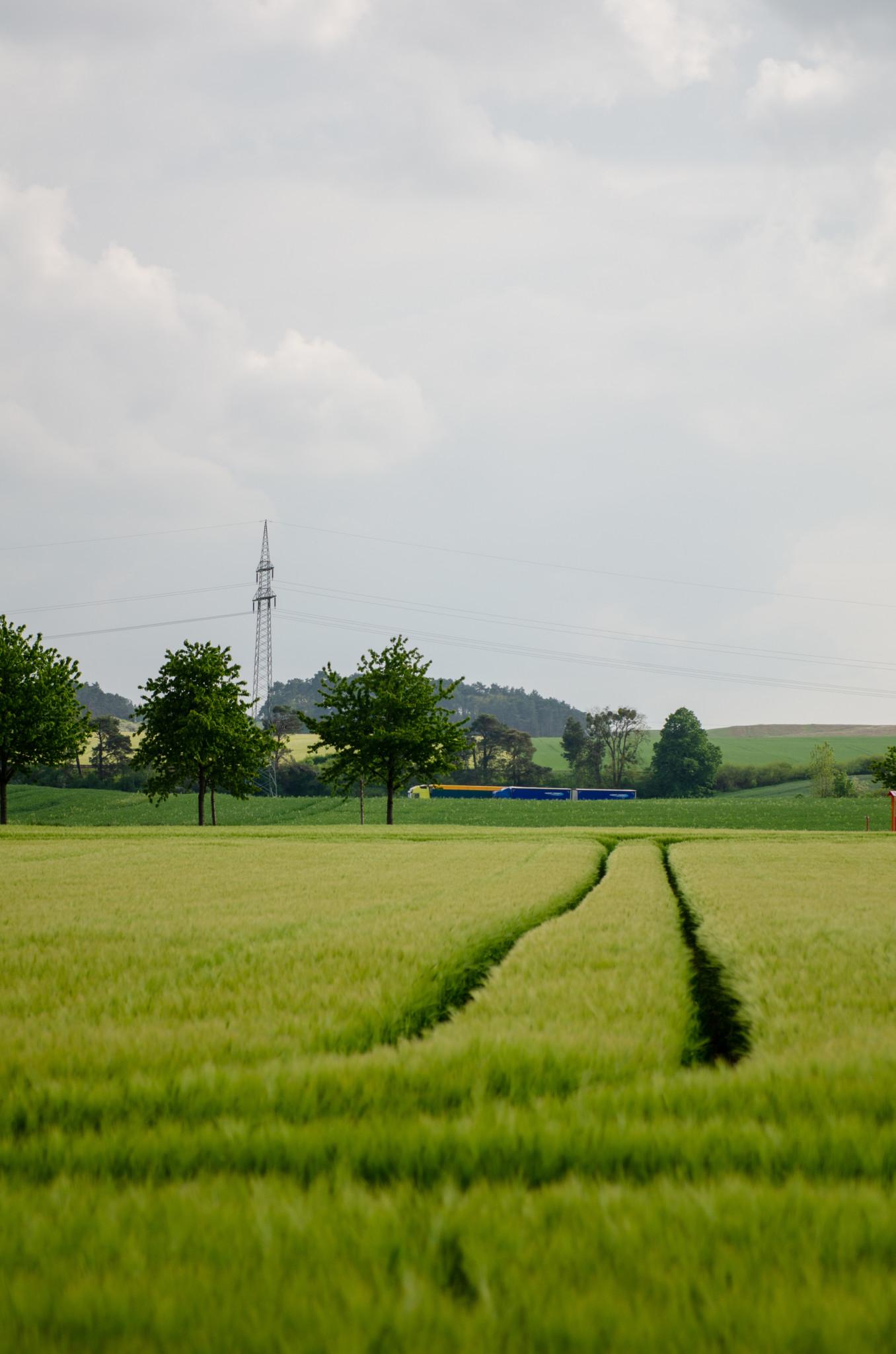 Weite Felder sind typisch für die Uckermark