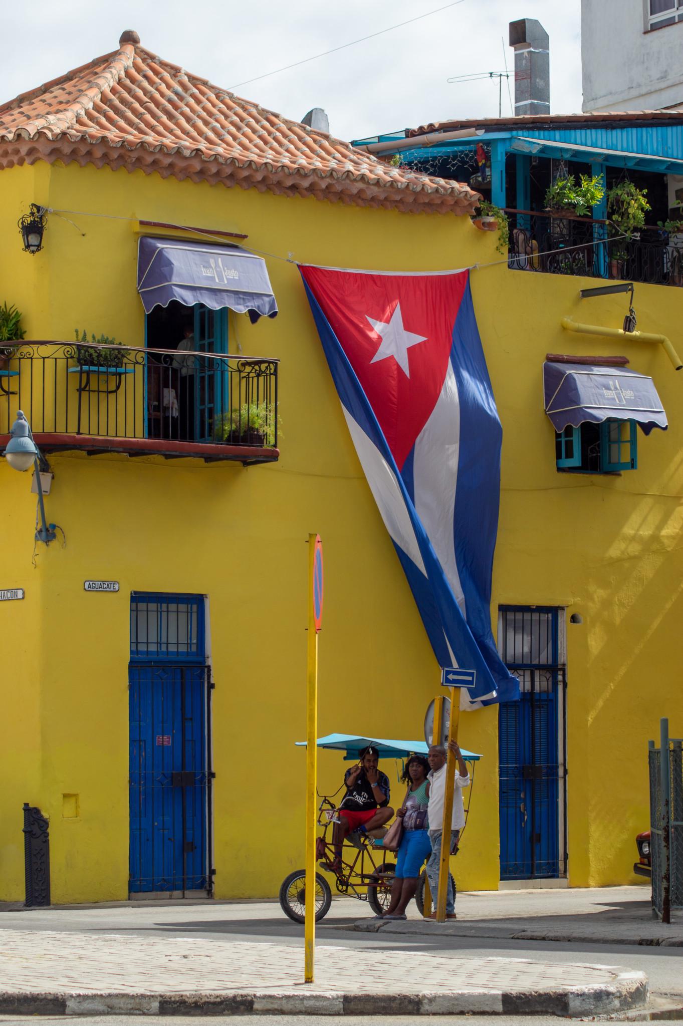 Die Flagge von Kuba sieht man in der Hauptstadt überall