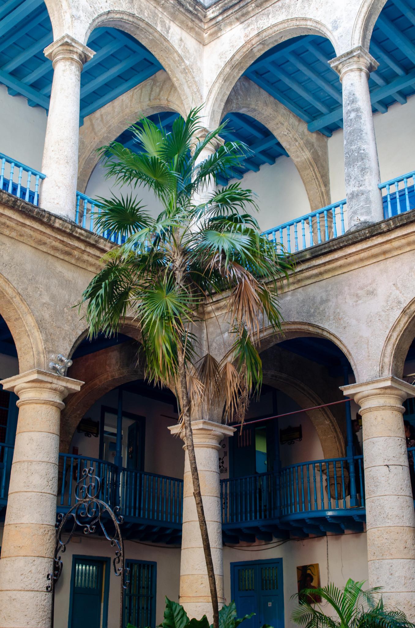 Häufig ist der Innenhof der Museen in Havanna besonders schön