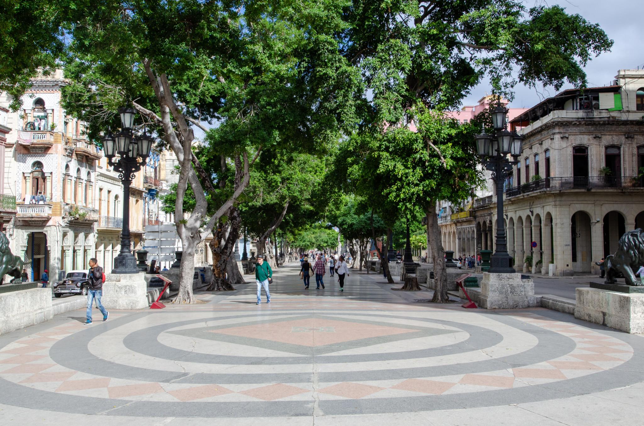 Der Prado ist die Prachtstraße der Stadt