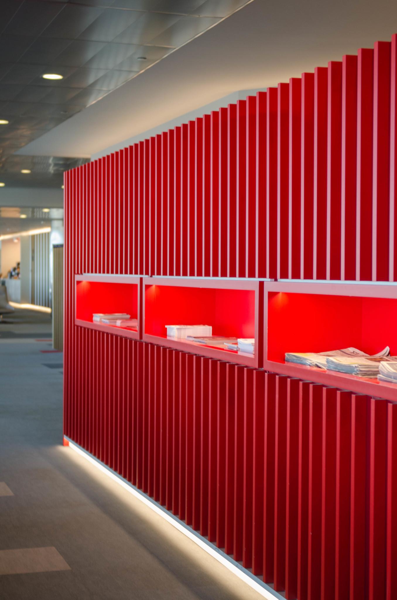 Minimalistisches Design in der Iberia-Lounge