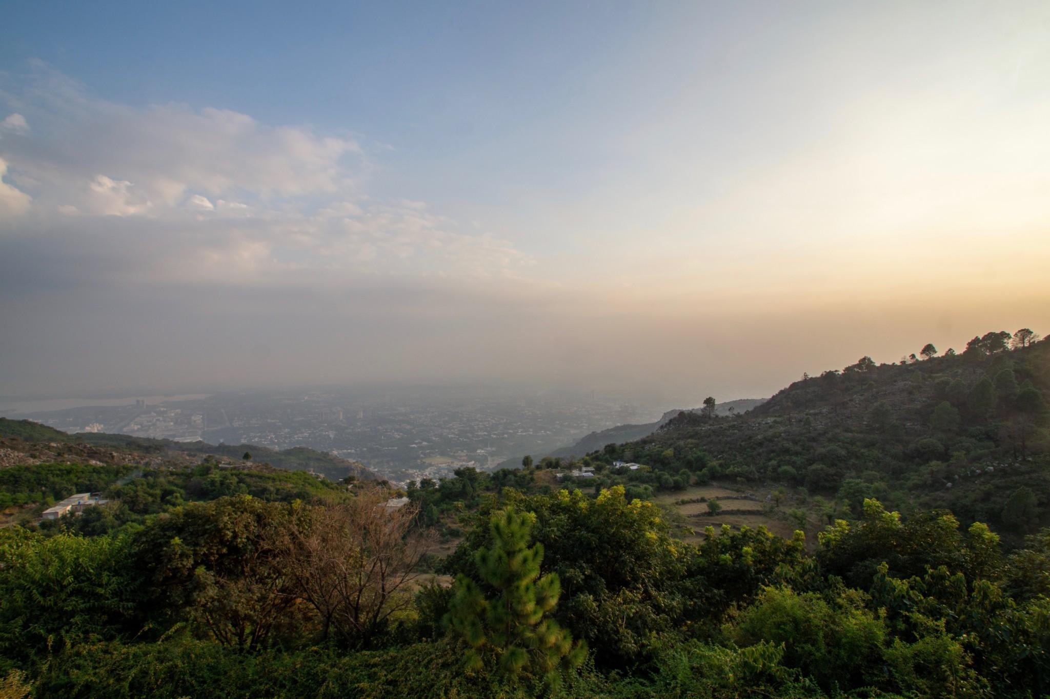 Sonnenuntergang von den Margalla Hills in Islamabad
