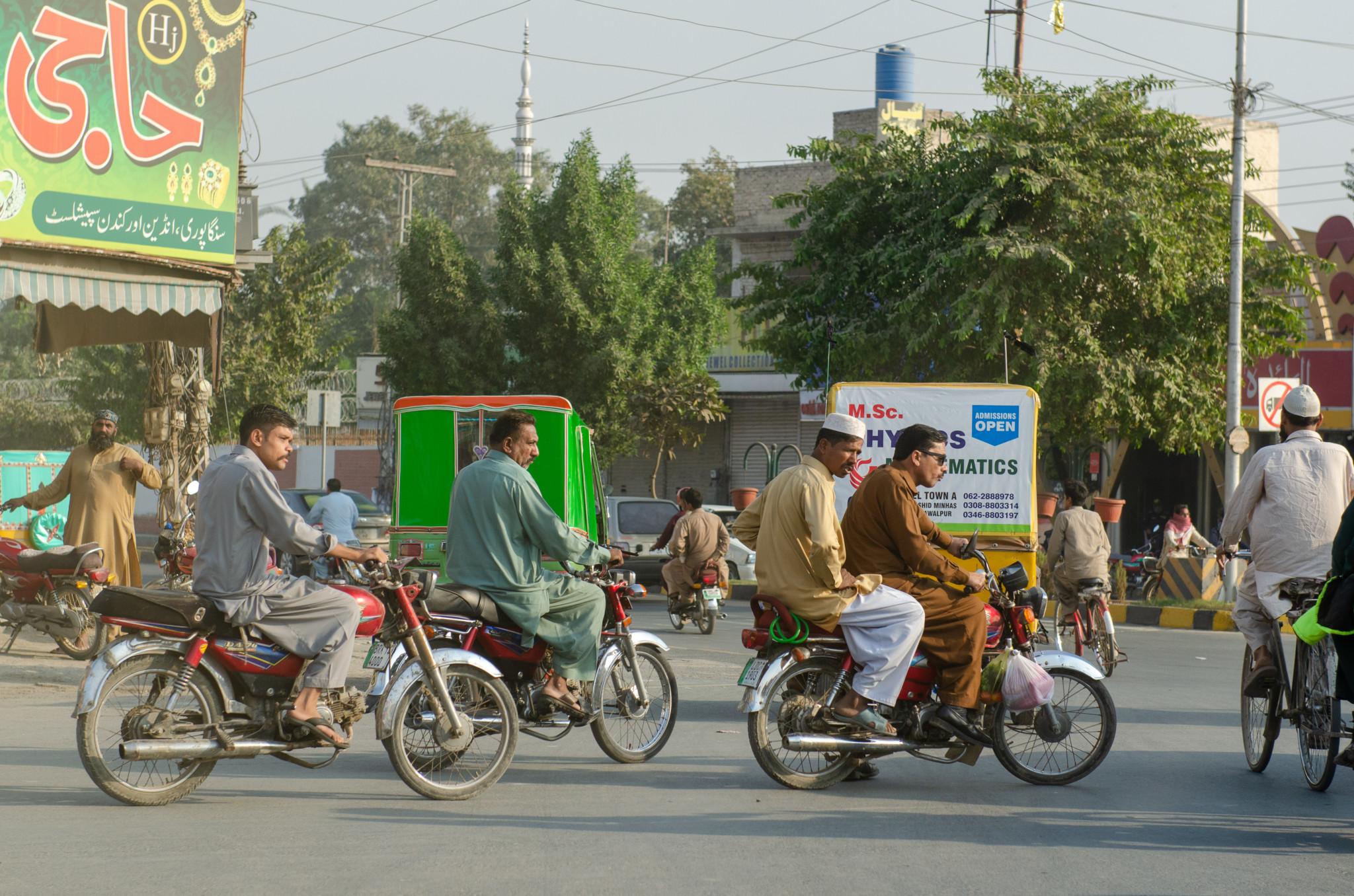 Verkehrschaos gehört zu Pakistan dazu