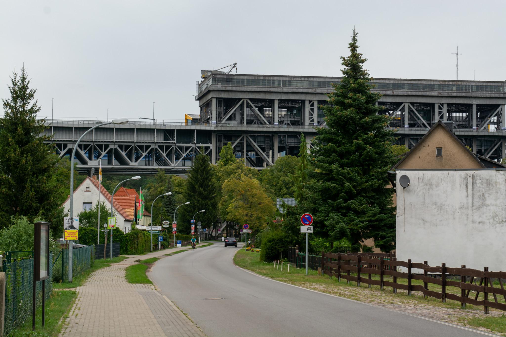 Ausflugstipp für Familien in Brandenburg ist das Schiffshebewerk in Niederfinow