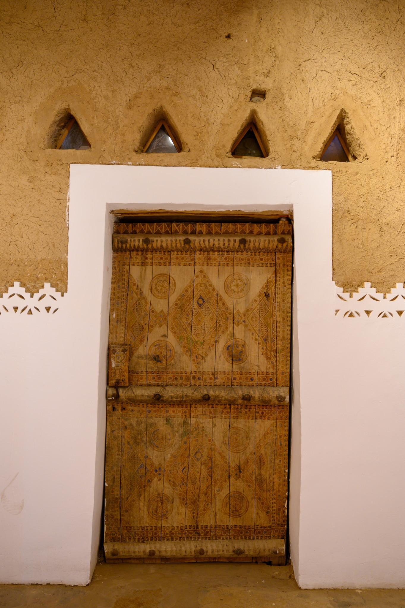 Alte Türen findet man in Riad überall