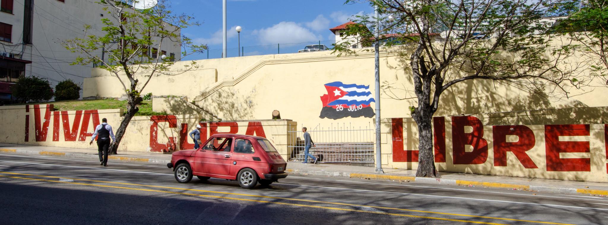Internet in Kuba gibt es an öffentlichen Plätzen