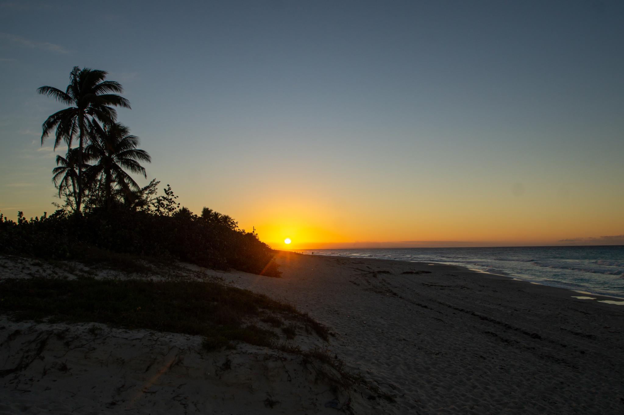 Sonnenuntergang an Kubas Ostküste